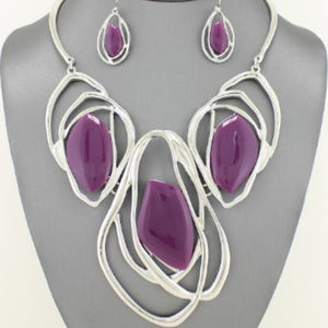 Jewelry - Purple Abstract Necklace Set